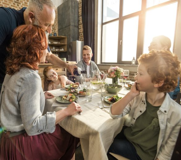 Společné stolování, Foto: Depositphotos