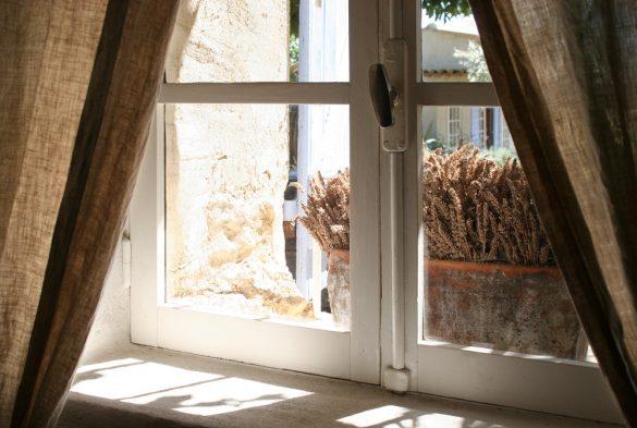 Staré okno, Depositphotos.com